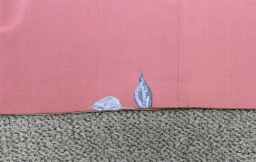 生地の破れをお直しした小紋柄の着物