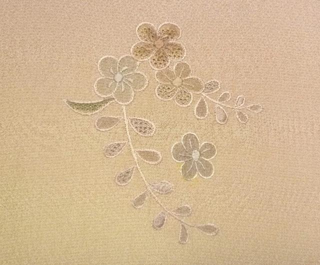 刺繍でしみを隠した実例