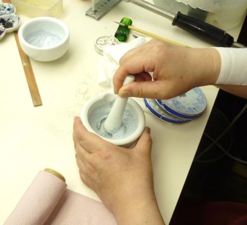 染め抜き紋工程:抜染剤作り