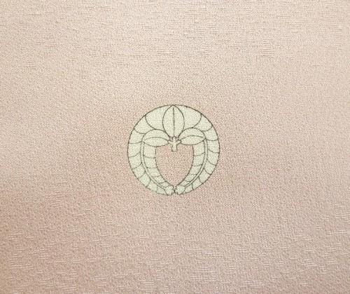 染め抜き紋工程:仕上がった家紋「下がり藤」